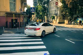 Водителям Киева напомнили, в каких местах машине грозит эвакуация