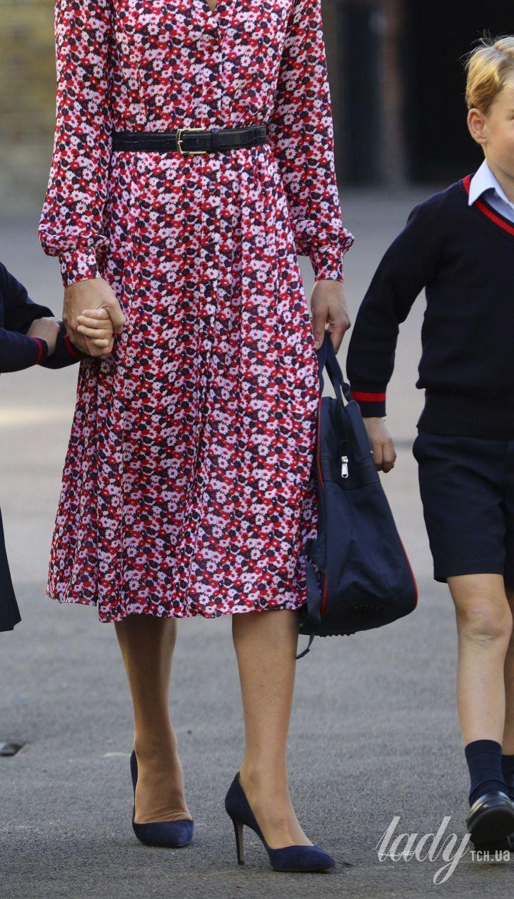 Герцогиня Кембриджська та принц Вільям відвели принцесу Шарлотту і принца Джорджа в школу