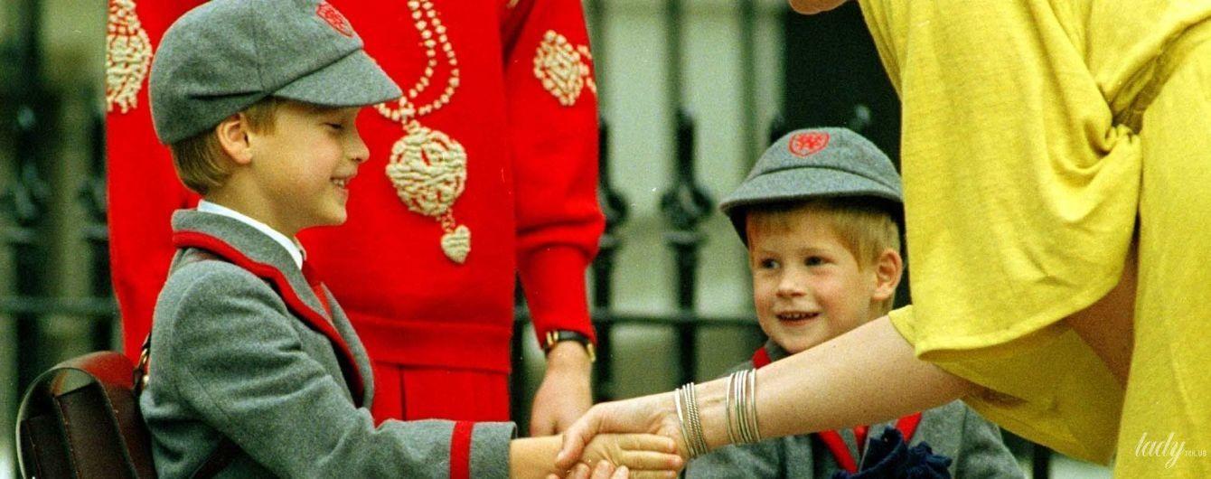 Вспоминаем, как это делала принцесса Диана: принцы Уильям и Гарри в свой первый день в школе