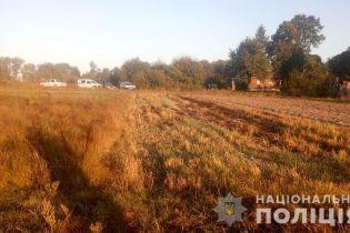 На Житомирщине селянин сжигал траву и погиб от взрыва боеприпаса