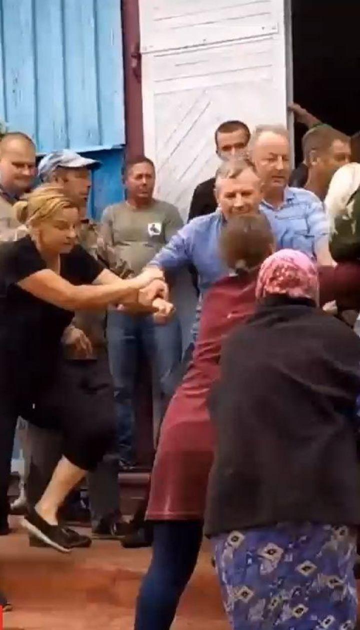 У селі на Рівненщині сталася масова бійка за церкву