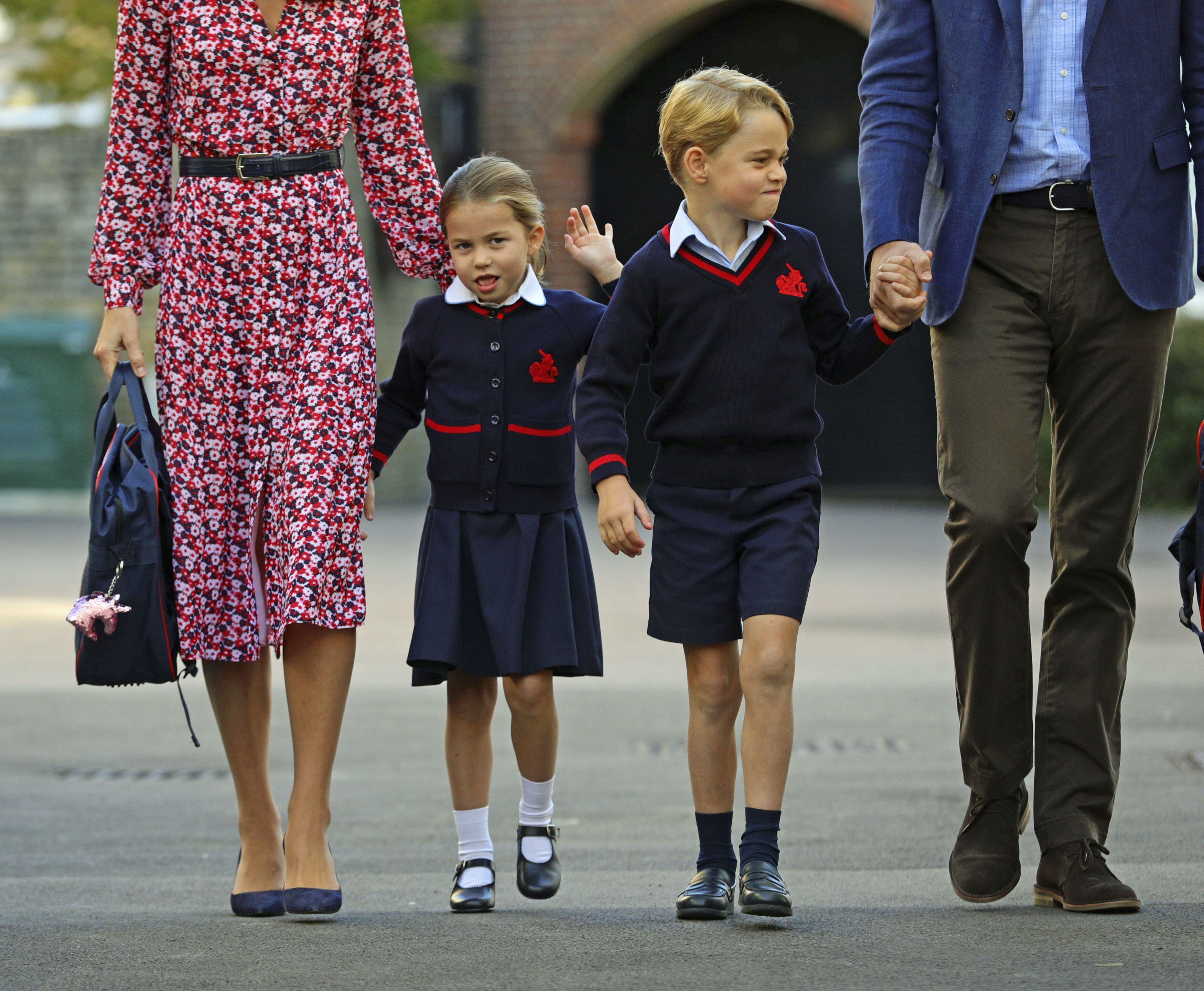 Кейт Міддлтон та принц Вільям з дітьми