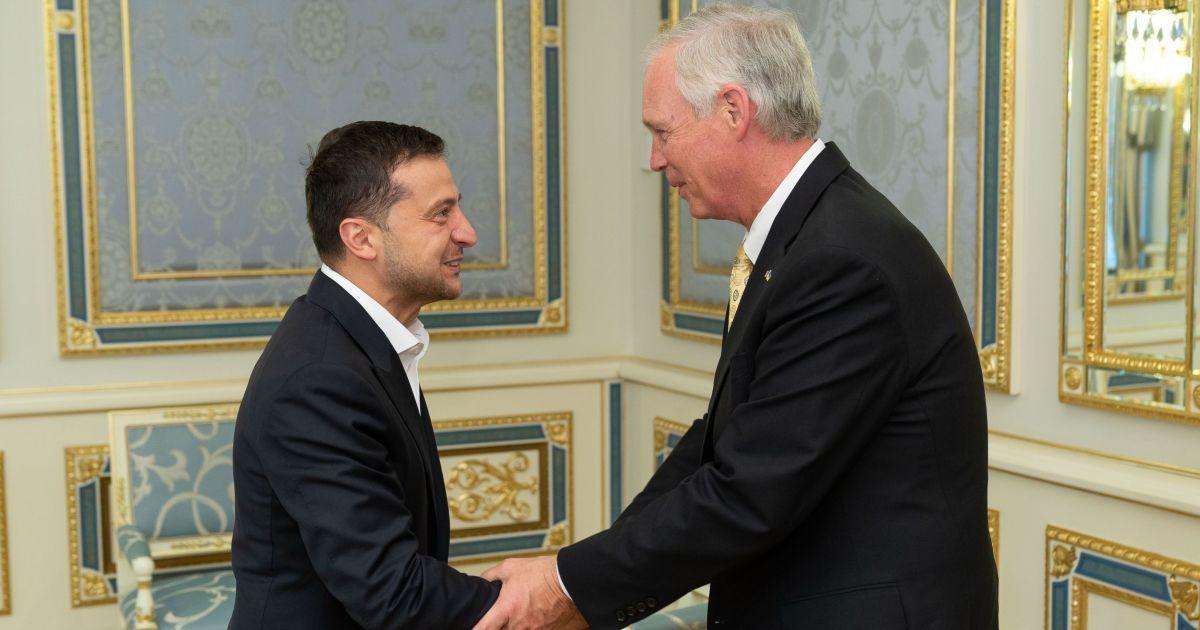 Зеленский принял американских сенаторов, говорили о России и газе