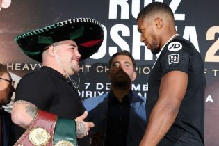 Боксер-чемпіон Руїс вийшов на другу дуель поглядів з Джошуа в сомбреро та ледве стримуючи сміх