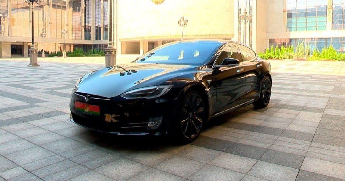 Ілон Маск заявив, що не дарував президенту Білорусі Лукашенку електрокар