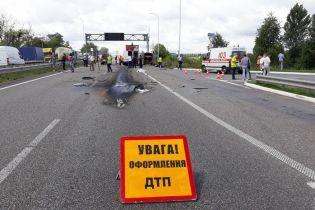 На проспекте Победы в Киеве столкнулись четыре автомобиля: образовалась пробка