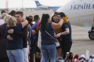 Всем освобожденным из плена украинцам пожизненно запретили въезд в РФ - адвокат