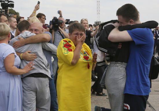 """""""Усе йде повним ходом"""": у """"Феофанії"""" розповіли, як допомагають звільненим бранцям Кремля"""