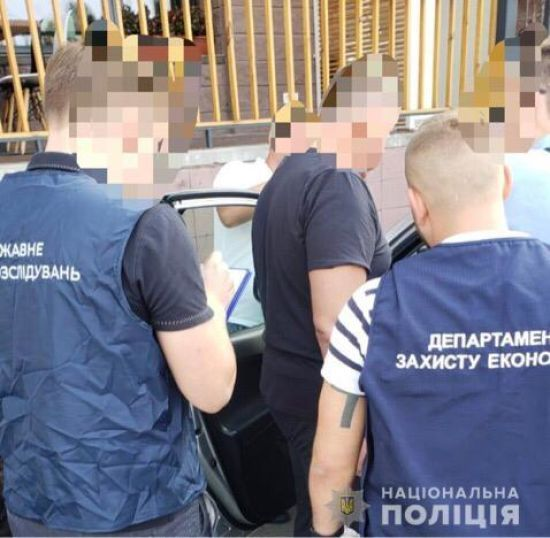 """УКиєві затримали начальника полтавської митниці, який """"заробляв""""на розмитненні вантажів"""