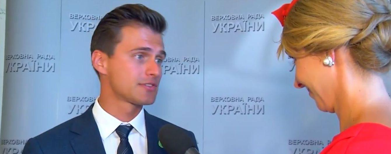 Ведущий Александр Скичко рассказал, как будет работать с депутатами, которых пародировал