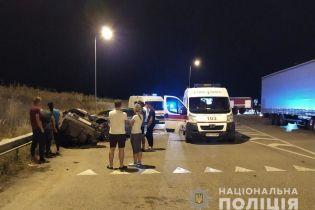 В Житомирской области в ДТП погибли четверо молодых людей, еще трое женщин пострадали