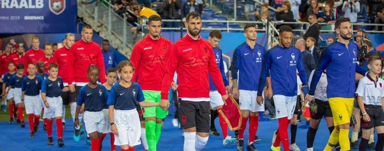 Макрон извинился за казус с гимном в матче Франция - Албания