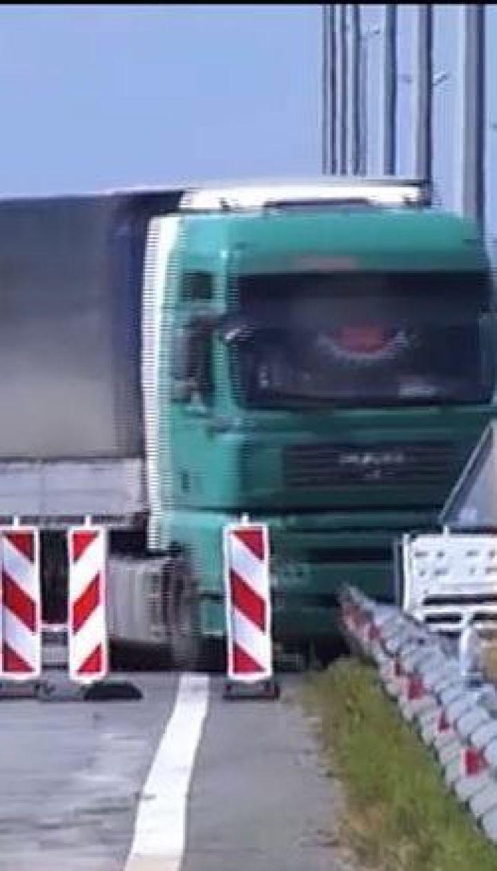 Укравтодор сможет взвешивать грузовики на ходу