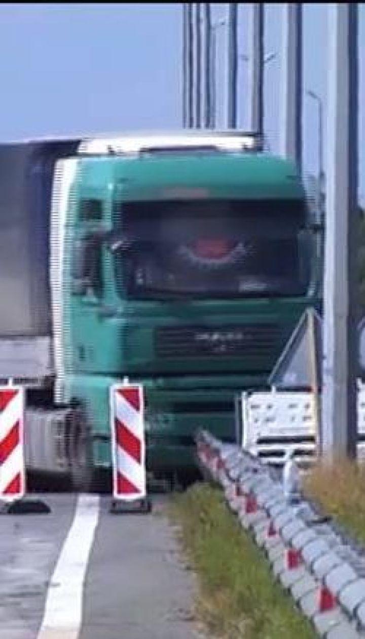 Укравтодор зможе зважувати вантажівки під час руху
