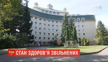 """Слишком тяжелых пациентов среди возвращенных украинцев нет - врачи """"Феофании"""""""