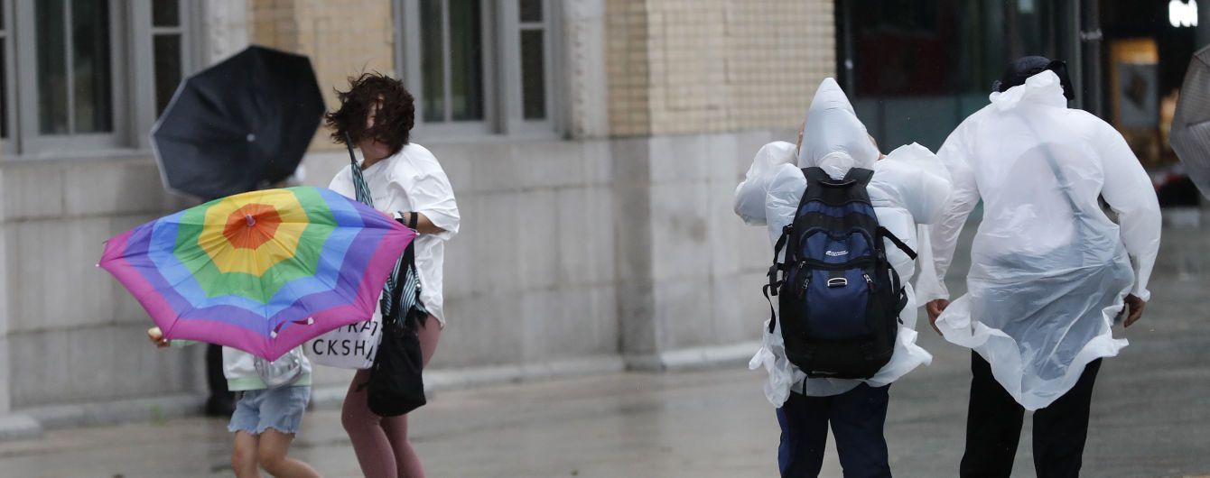 Погодана п'ятницю: в Україні пройдуть дощі та накриє туман