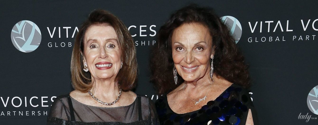 Спикер Палаты представителей США Нэнси Пелоси надела на премию вечернее платье с прозрачной вставкой