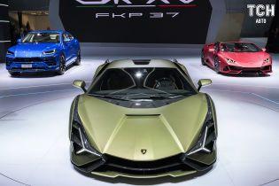Lamborghini представила первый серийный гибрид Sian