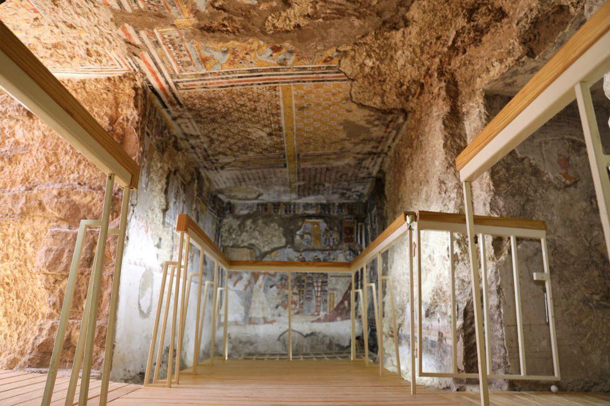 стародавні гробниці в Луксор