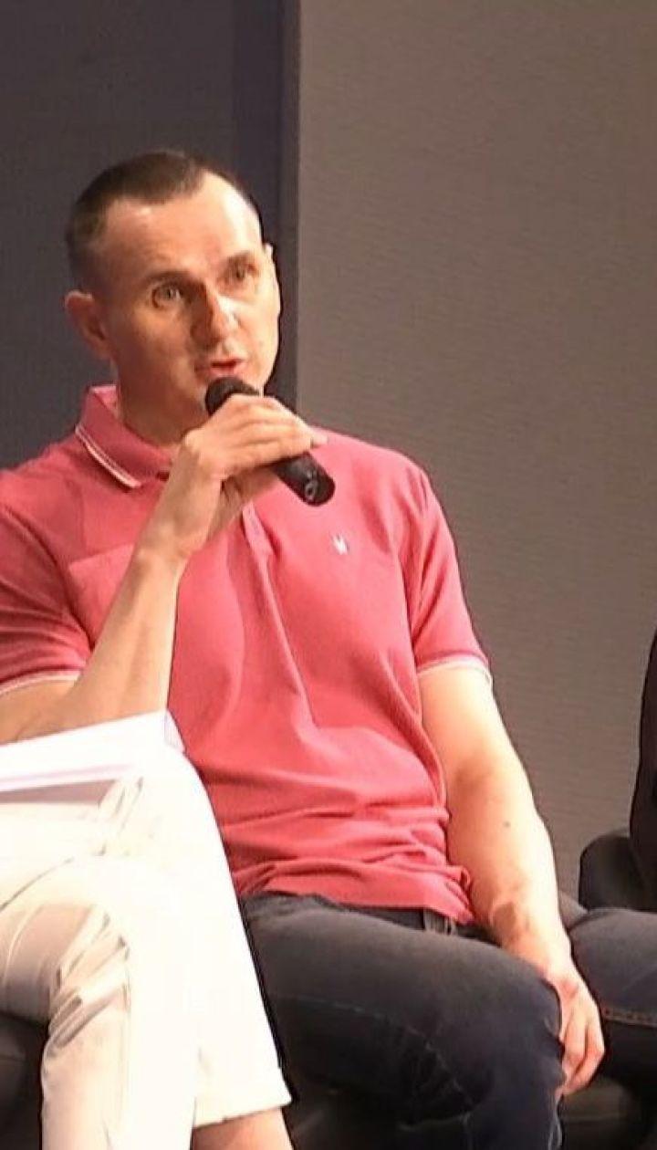 Сенцов і Кольченко на пресконференції розповіли про життя у полоні