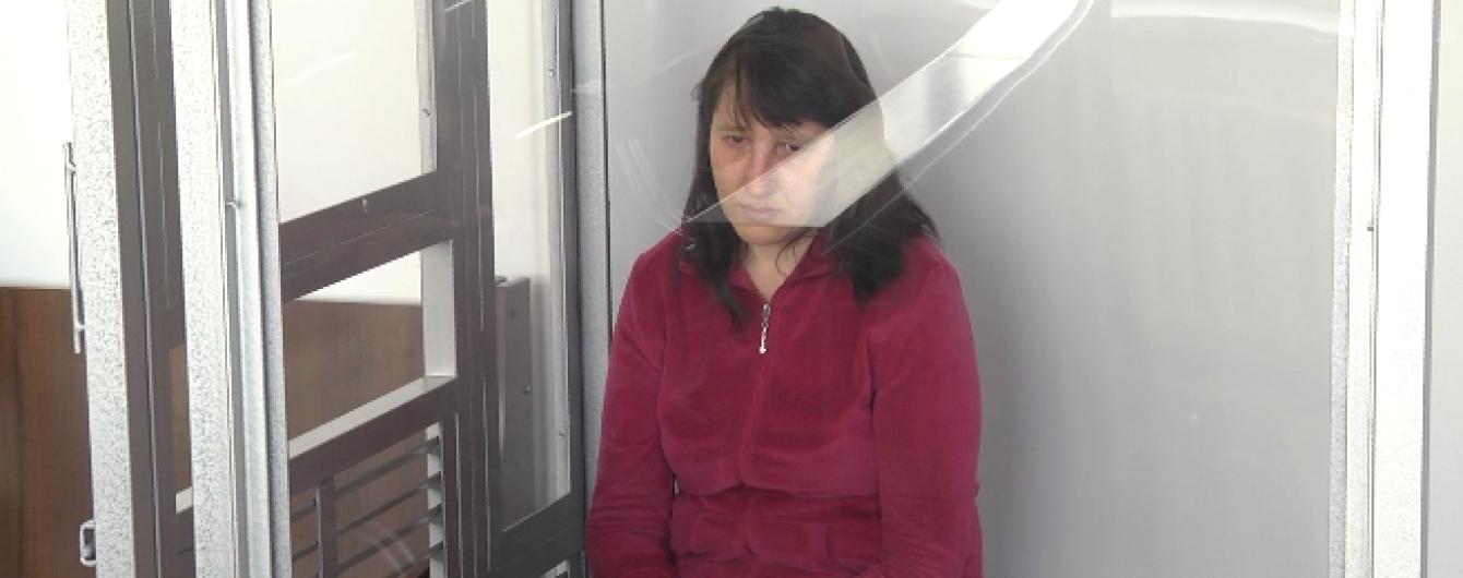 На Львовщине заключили пожизненно женщину, которая убила двух взрослых и ребенка