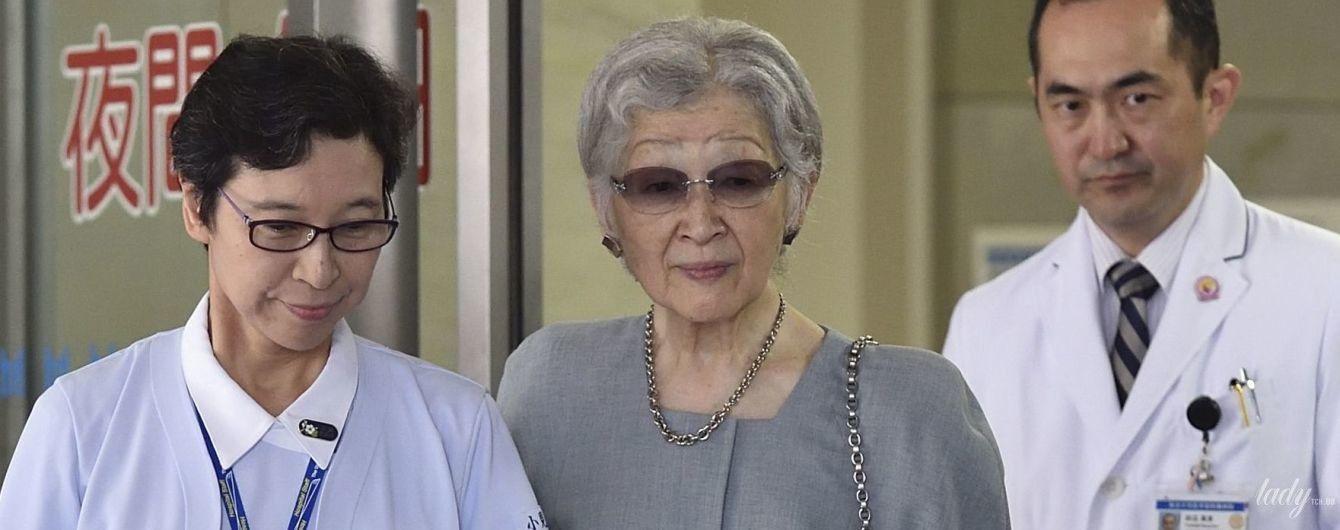 Первый выход после операции: почетную императрицу Японии Митико выписали из больницы