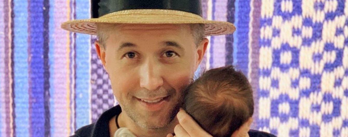 Сергей Бабкин поделился трогательным фото с крестин трехмесячного сына
