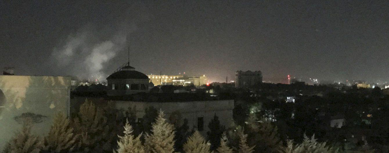 В Кабуле в день годовщины теракта 9/11 в посольство США запустили ракетой