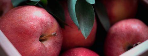 Через низький урожай ціни на яблука високі. Чи буде дешевше