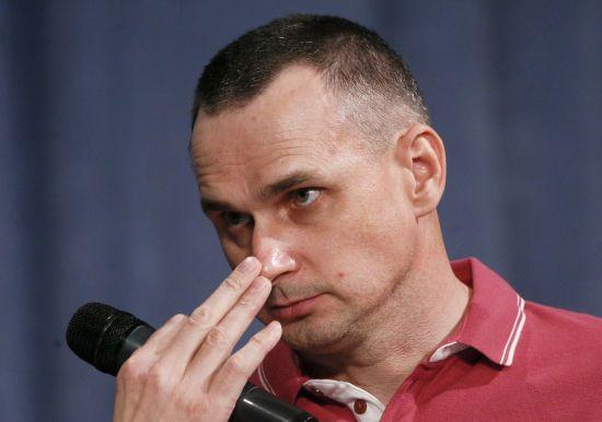 Порошенко розповів, як Путін раніше порушив обіцянку звільнити Сенцова