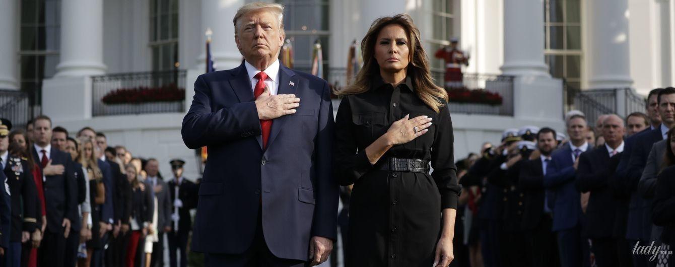У чорній сукні і з крокодиловим поясом: Меланія Трамп у скромному образі на поминальній церемонії