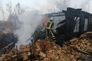 Под Киевом сгорела часть села – дома, сараи и автомобиль