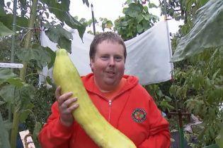 Фермер XXL: в Германии мужчина выращивает овощи чемпионских размеров