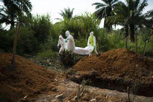 Понад 10 тисяч смертей за один рік. Як смертоносний вірус Еболи призвів до двох епідемій і зрештою виявився виліковним