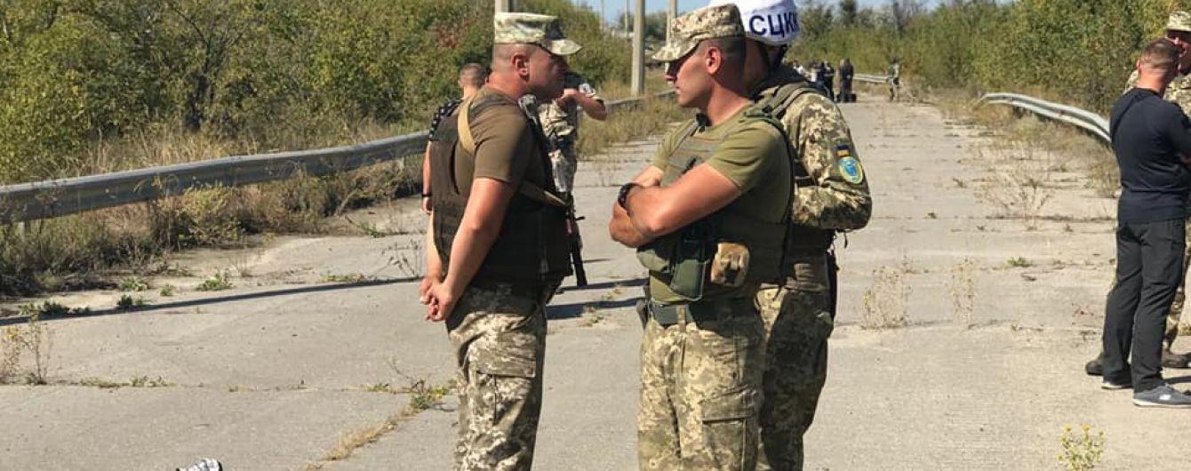"""Боевики """"ЛНР"""" передали Украине 54 осужденных, которые отбывали наказание на оккупированной территории"""