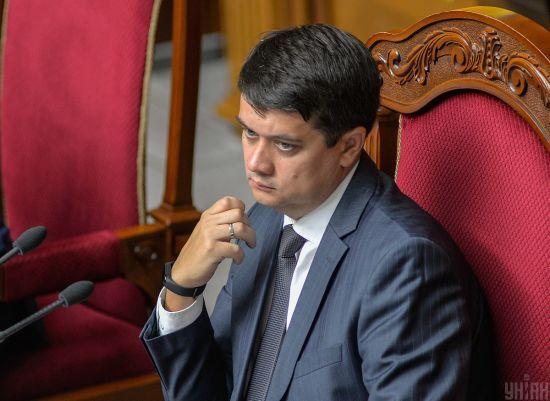 Разумков каже, що розпуск ЦВК жодним чином не пов'язаний з виборами на Донбасі