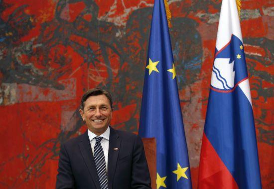 """Словенська інтелігенція закликала президента подати у відставку після слів про """"особливий статус"""" для України в ЄС"""