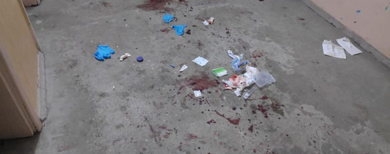 В Одессе мужчина нанес жене девять ножевых ранений и хотел сбежать за границу