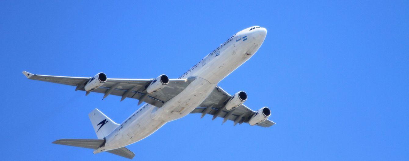 Пилот самолета залил кофе приборную панель и пошел на вынужденное приземление