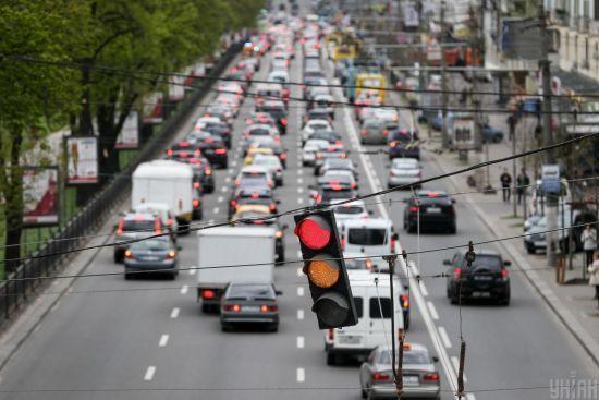 У Києві водіїв наземного громадського транспорту вже сповіщають про вихід на роботу