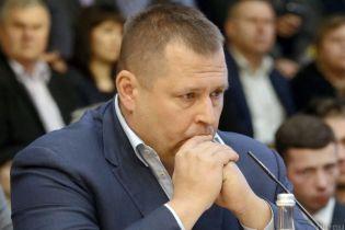 У мерії Дніпра відбулися слідчі дії. ЗМІ повідомляють про підозру заступникові Філатова