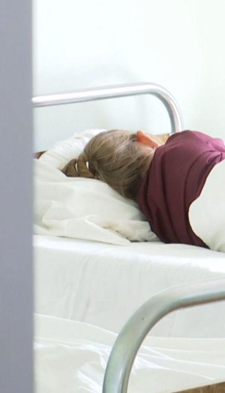 8 дітей потрапили в лікарню з ознаками отруєння невідомою речовиною у Мукачеві
