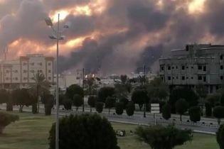 В Саудовской Аравии загорелся один из крупнейших нефтеперерабатывающих заводов мира. Власть говорит об атаке дронов