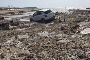 Затопленные улицы, машины и дома. Разрушительная непогода в Испании унесла пять жизней
