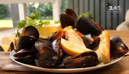"""Бельгійська страва """"Мідії в традиційному соусі"""" - Смачний світ з Євгеном Клопотенком"""