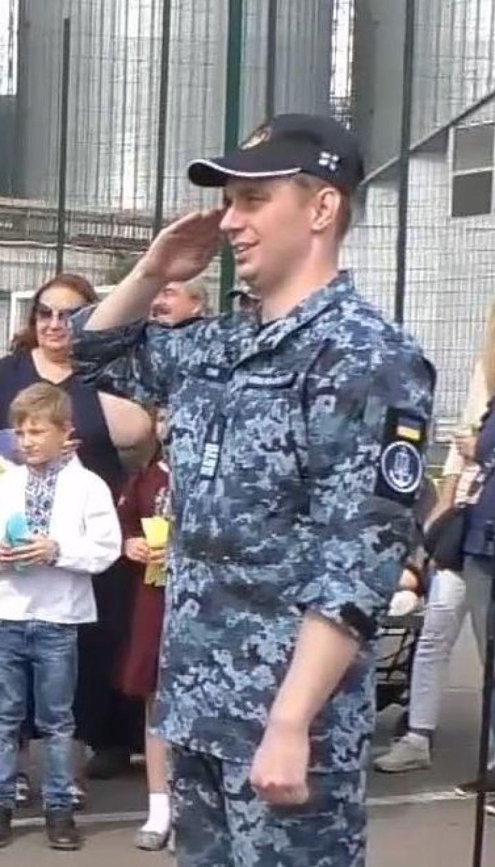 Звільнені з російського полону моряки повернулися в Одесу