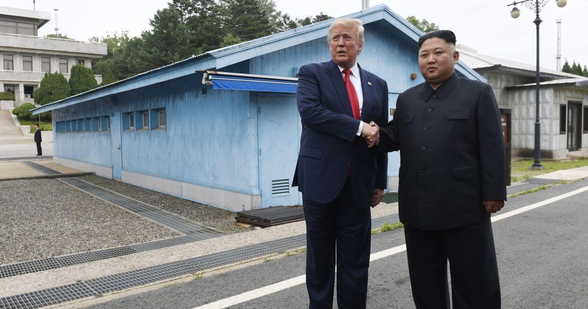 Ким Чен Ын предложил Трампу встретиться в Северной Корее — СМИ