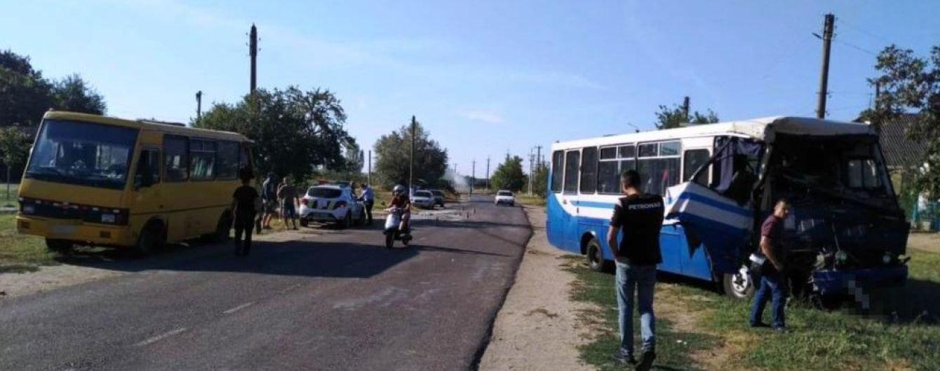 Количество пострадавших в аварии маршруток на Одесчине возросло до 19 человек, в полиции рассказали подробности ДТП