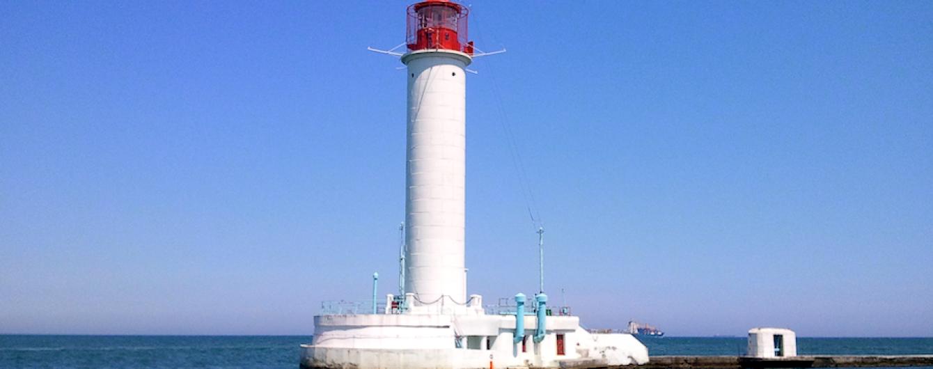 Одесский порт и Воронцовский маяк официально признаны туристическими объектами