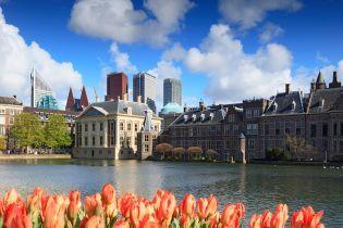 Власти Амстердама отправляют туристов в Гаагу